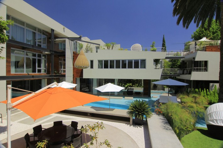 Urban Oasis backyard, Mexico City, designed by Sage Architecture