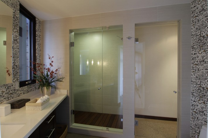 Urban Oasis master bath shower, Mexico City, designed by Sage Architecture